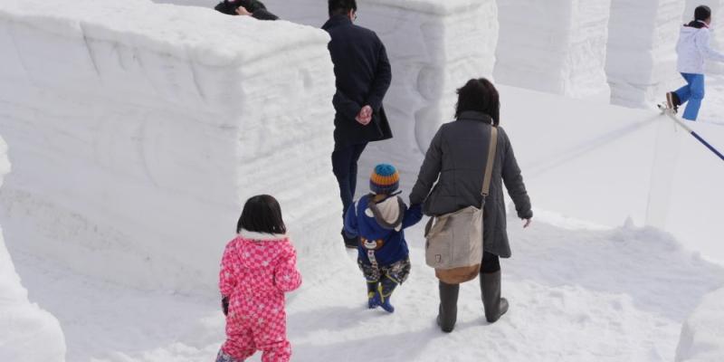 雪の巨大迷路